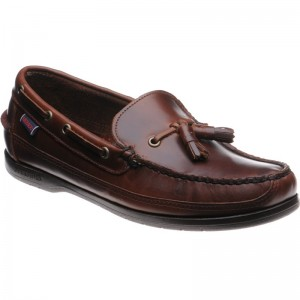 Ketch deck shoe