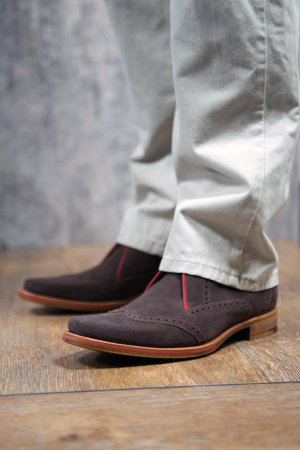 Lance suede boot with contrast stitching